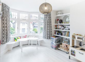 childrens play and living room in Sevenoaks